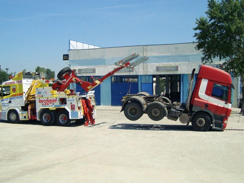 Теглене на аварирала пожарна кола - 3